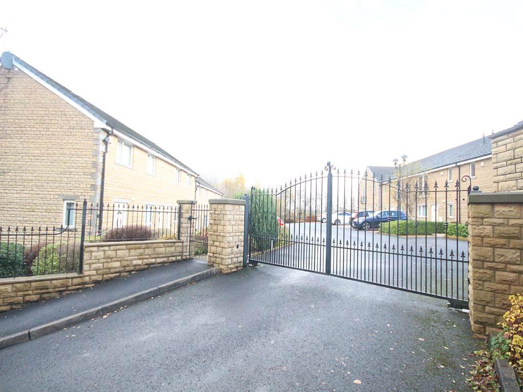 2 bedroom apartment For Sale in Colne - IMG_8163.jpg